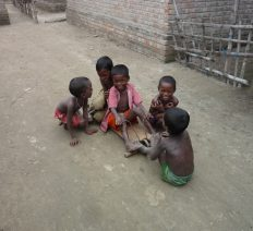 Garantire l'Istruzione a migliaia di bambini 2014-2016